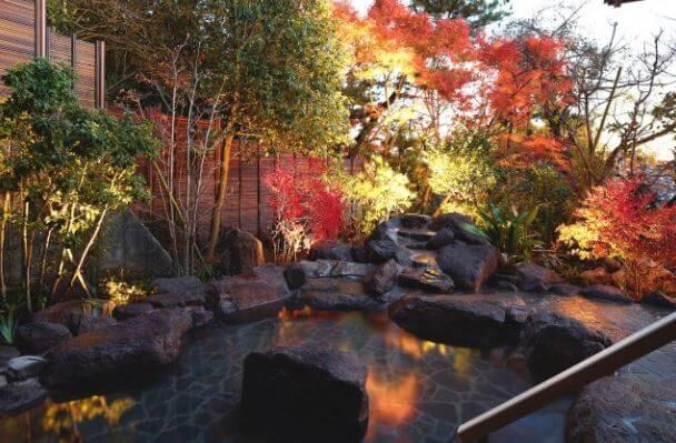 鶴巻温泉 陣屋の露天風呂